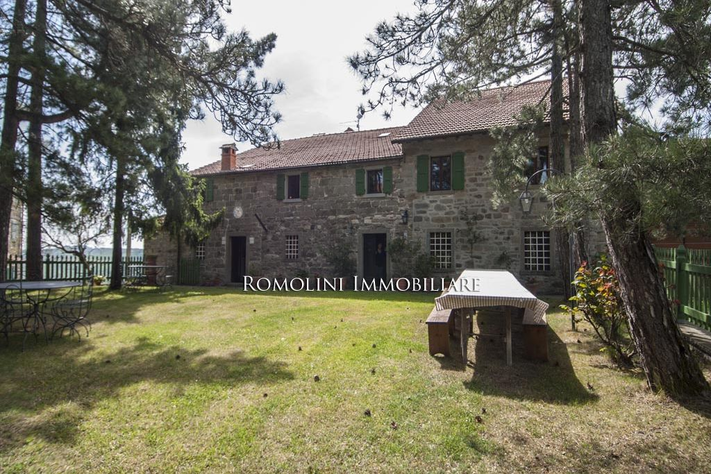 FARMHOUSE FOR SALE IN TUSCANY