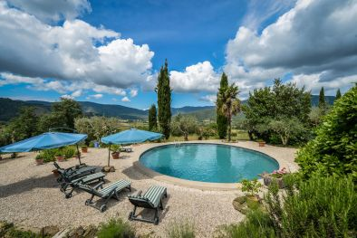 FARMHOUSE FOR SALE IN PANORAMIC LOCATION, NICCONE VALLEY | Romolini - Christie's