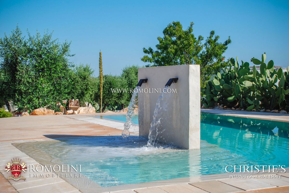VILLA FOR SALE IN APULIA, RESERVE OF TORRE GUACETO