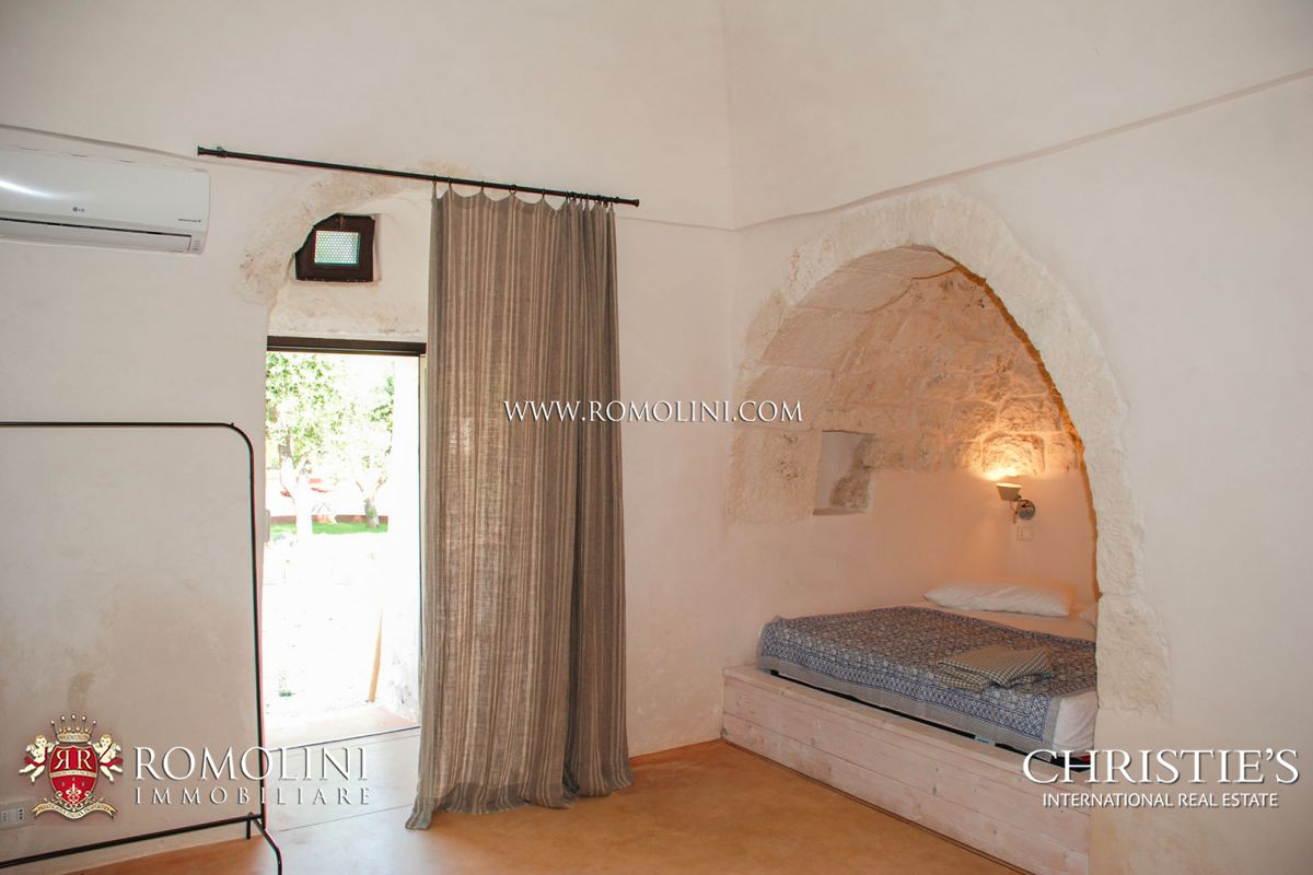 SEA VIEW VILLA FOR SALE IN OSTUNI, APULIA