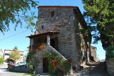 SECTION OF FARMHOUSE FOR SALE IN BADIA TEDALDA TUSCANY