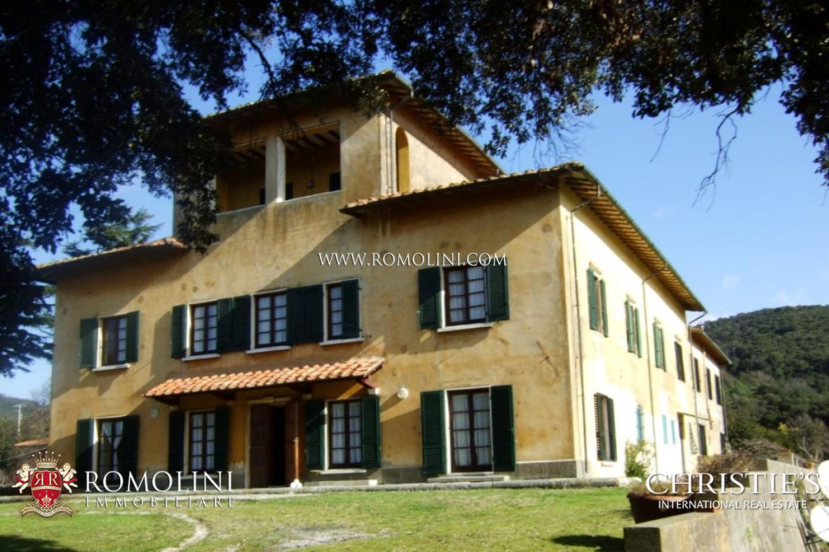 Livorno Estate on the sea for sale