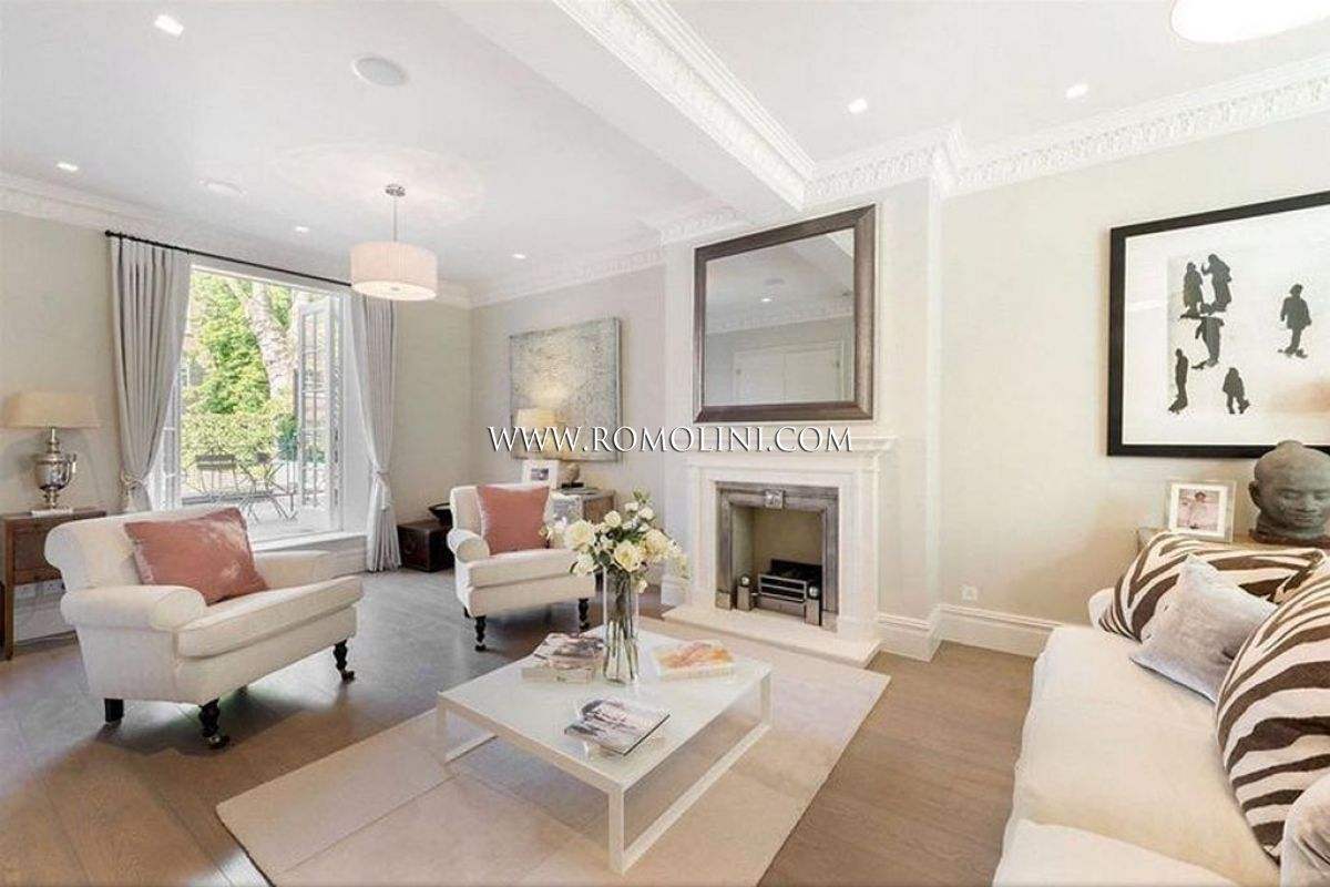Chelsea luxury property for sale in netherton grove for Interni case lussuose