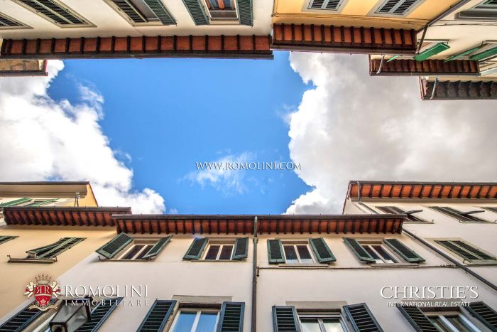 2-BEDROOM APARTMENT FOR SALE IN THE HISTORIC CENTER OF FLORENCE