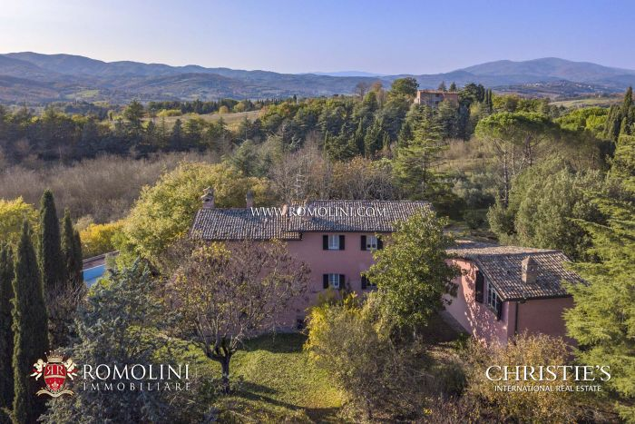 VILLA WITH POOL FOR SALE IN UMBRIA